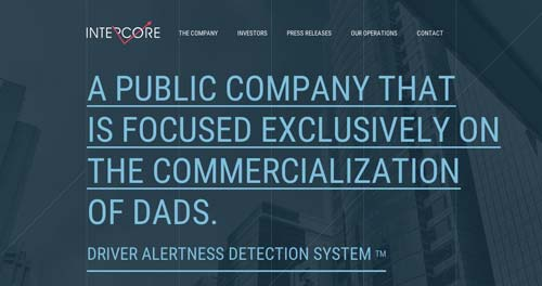 Ejemplos de paginas web con uso de colores oscuros: Intercore