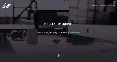 Ejemplos de paginas web con uso de colores oscuros: Jamie Syke
