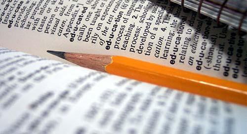 Consejos para escribir una author bio única: Seleccionar las palabras adecuadas