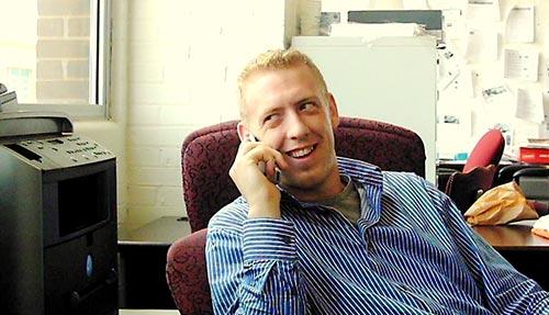 cios de trabajar en equipo en una oficina: Hacer contactos