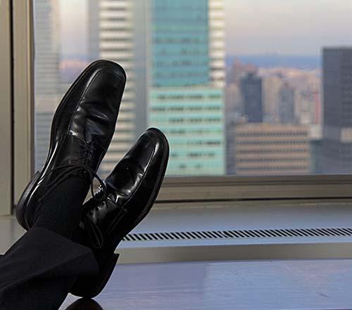 beneficios-trabajar-en-equipo-oficina-sentirse-a-gusto