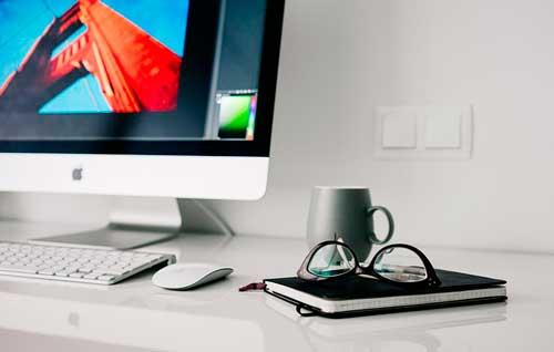 puntos-consideracion-trabajar-como-freelance-tiempo-completo-espacio-trabajo