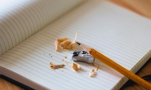 consejos-mejorar-fase-de-ideacion-proceso-de-diseno-hacer-bocetos-papel