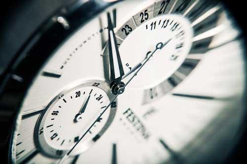 pautas-tener-cuenta-bloguear-como-invitado-manten-horario-fijo