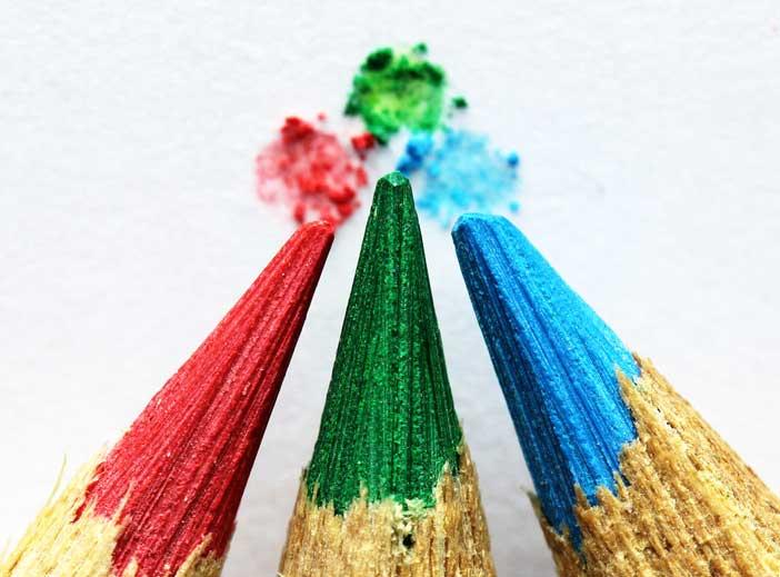 consejos-crear-una-paleta-de-colores-efectiva-evitar-usar-mas-tres-colores