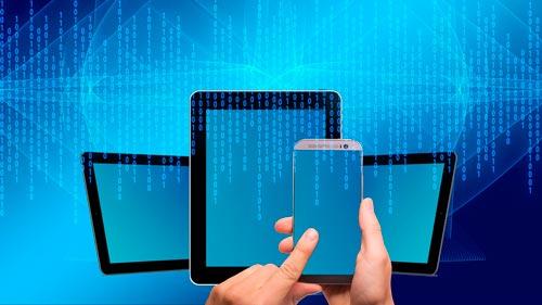 caracteristicas-esenciales-plataformas-creacion-de-sitios-web-compatibilidad-moviles