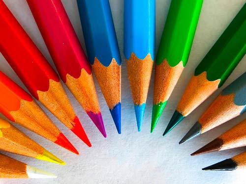 consejos-practicos-buen-uso-de-la-tipografia-diseno-web-utilizar-color-sabiamente
